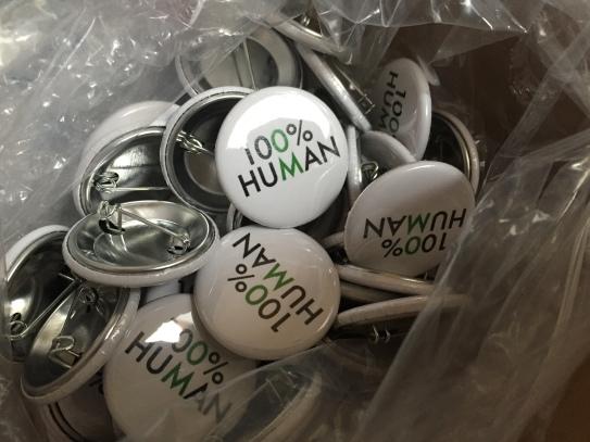 100% Human logo buttons